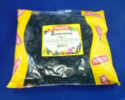 Plastic bag with one kg of coin liquorice
