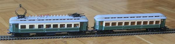 The resulting train model, two cars